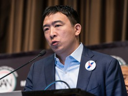 Pro-Bitcoin Presidential Candidate Andrew Yang Slams 'Onerous' Bitlicense image