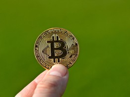 Bitcoin Lights First Green Monthly Candle in 8 Months: Has Accumulation Begun? image