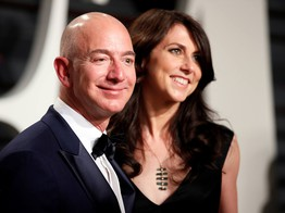 Jeff Bezos Splashes $80 Million on NY Pad as Ex Donates $18 Billion to Charity image