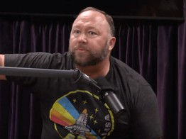 Alex Jones Tells Joe Rogan: George Soros Offered Me $5 Million to 'Pump Bitcoin' image