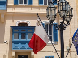 Malta is Eying the Waves Cryptocurrency to Tokenize Financial Assets image