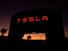 Analyst: Tesla Stock Could Crash 40% - But Don't You Dare Short It image