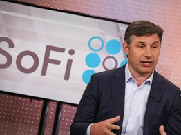 Fintech disruptor SoFi wants to become a national bank — again image