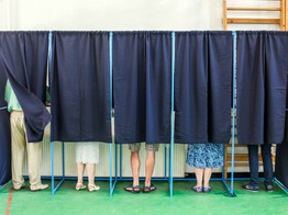 How Blockchain Voting Is Supposed to Work (But In Practice Rarely Does) - CoinDesk image