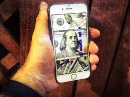 Millennials Using Phone Payment Apps Make Worse Money Decisions image