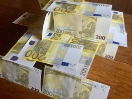Police Bust Crime Syndicate Selling Counterfeit Euros for Crypto image