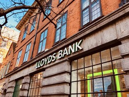 Insurtech: Lloyds Chooses 12 Promising Insurance Technology Firms to Take Part in its Accelerator Program, Lloyds Lab image