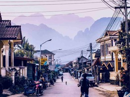 Laotian Banking Officials Urge Citizens to 'Think Carefully' Before Investing in Crypto in Unregulated Laos image