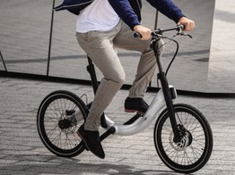 JIVR Folding, Electric and Chainless Bikes Cycling Toward €1M on Seedrs image