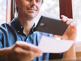 Key Customer Experience Trends in Mobile Photo Deposits image