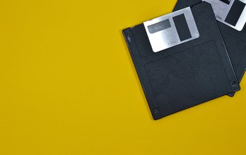 A floppy-disk meets a blockchain and sees a 40-year-younger image of itself